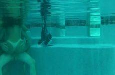 Trekken en bonken onder water