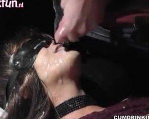 Een sperma gangbang op mond en gezicht