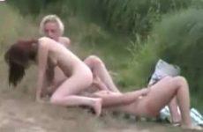 Trio sex stiekem gefilmd in de buitenlucht